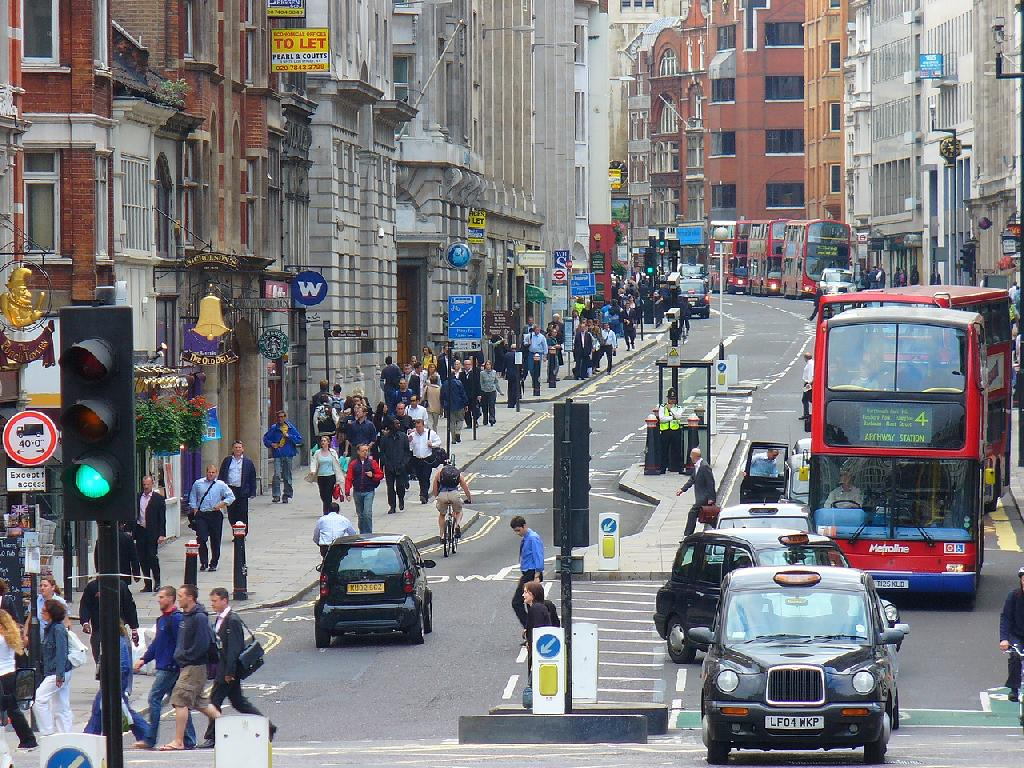 7 Best Places To Live In London For Young Professionals